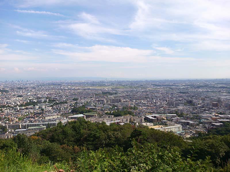 五月山大文字からの大阪平野と遠景の和歌山