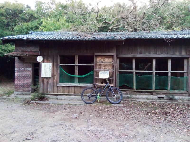 日本家屋風の宿舎跡