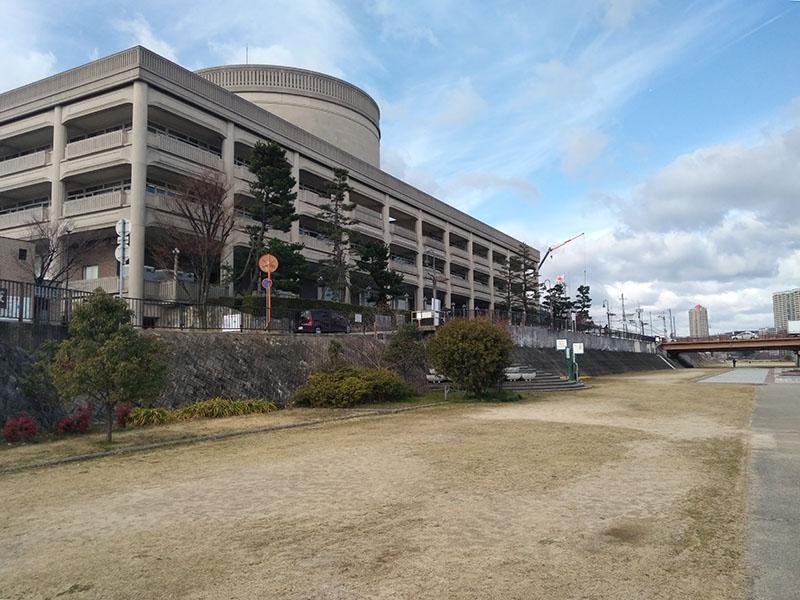 武庫川サイクリングロード終点 宝塚市役所の裏