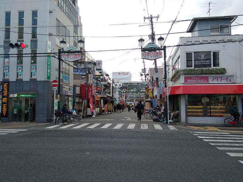 阪急宝塚線庄内駅前