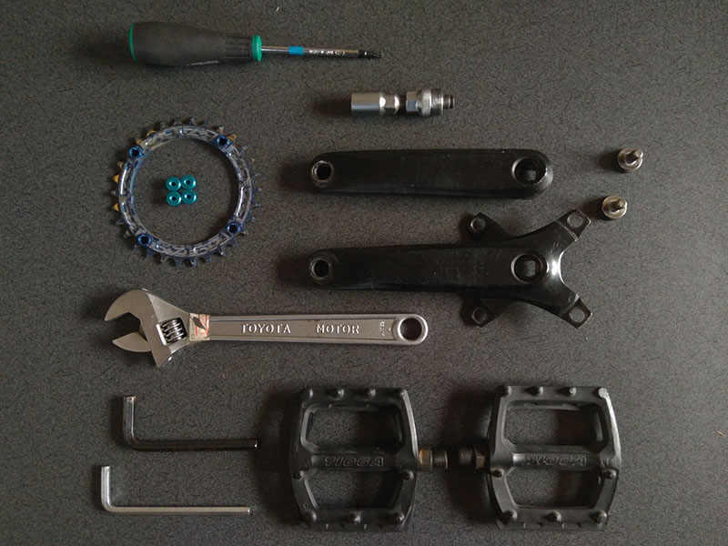 クランク周りのパーツと使用工具