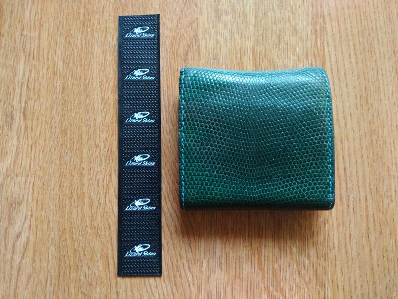 左・Lizard Skins DSP 右・リアルトカゲ革の財布