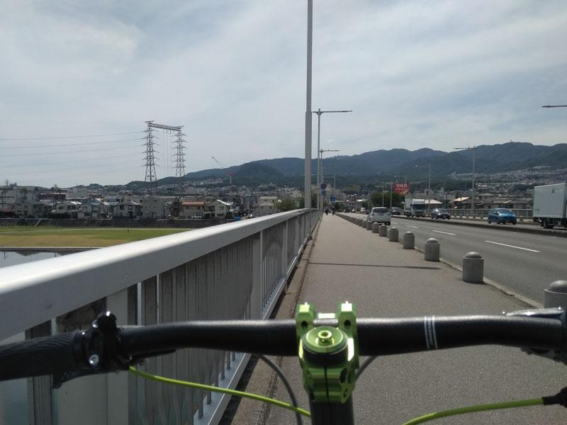 武庫川渡る