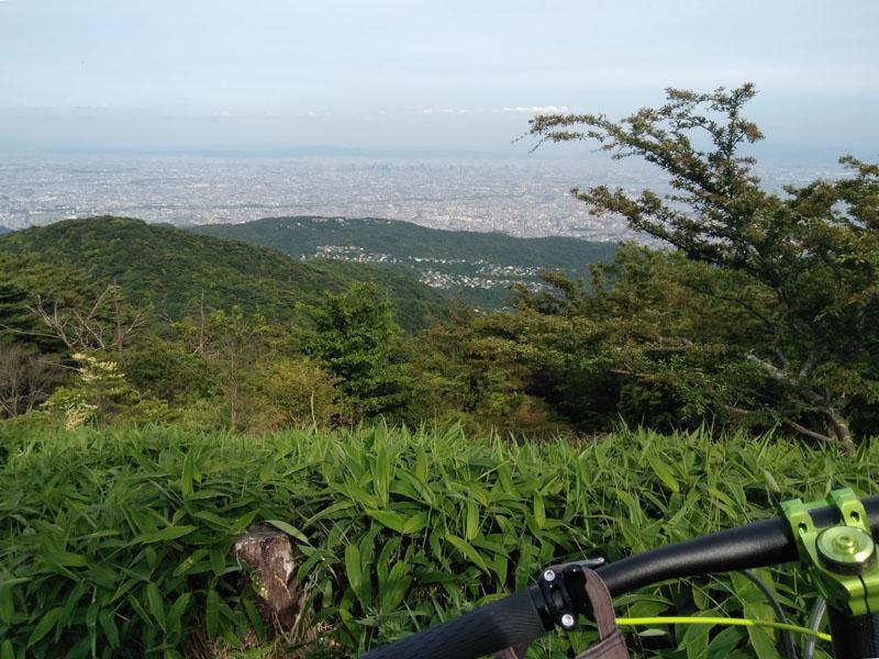 神戸の町並みと瀬戸内海と和歌山