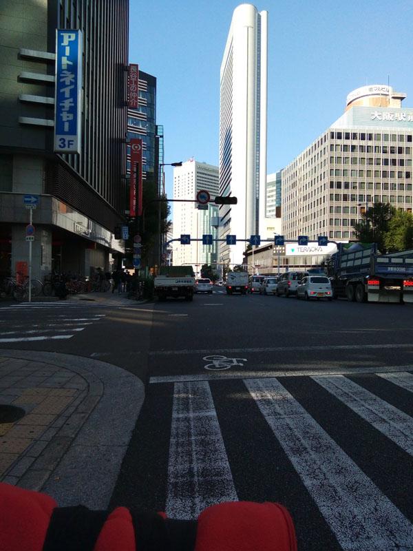 2017年10月27日大阪駅前