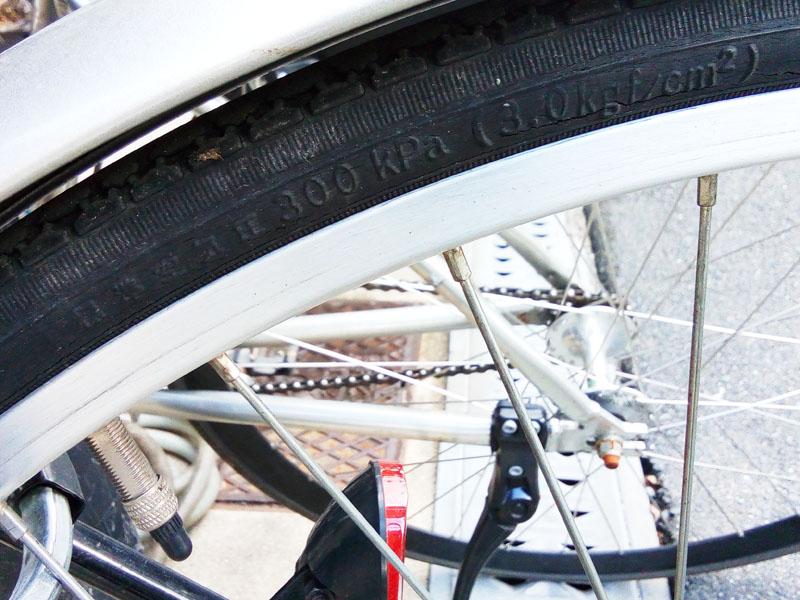 ママチャリのSAKURAのタイヤ 空気圧