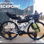 ダボ穴満載 スライドエンド TREK Checkpoint 同社初のグラベルバイク