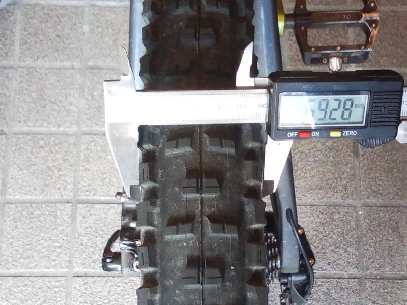 C28ホイールへの取り付け時のタイヤ幅