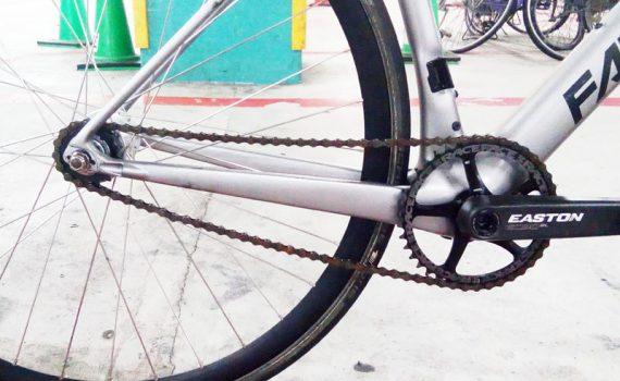 ロードバイクのピスト化