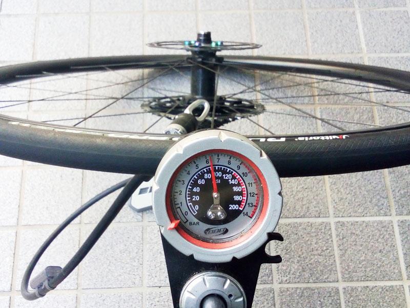 空気圧までポンプアップ