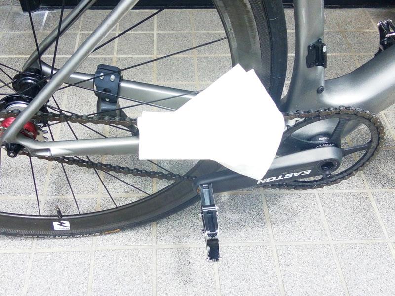 ワイプオールで自転車チェーンをお掃除