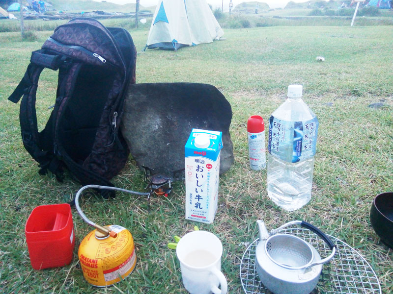 キャンプで飲む朝カフェオレはやや薄味