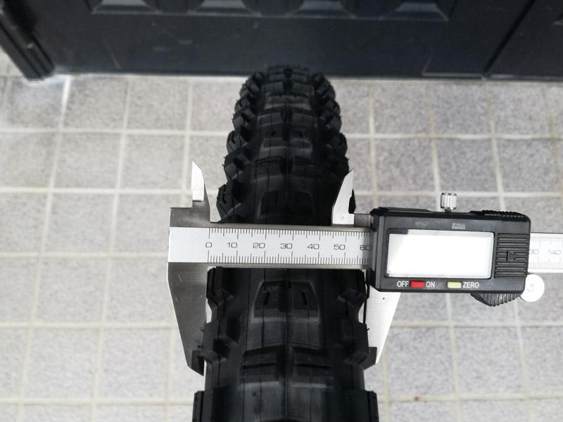2barのタイヤ幅60mm