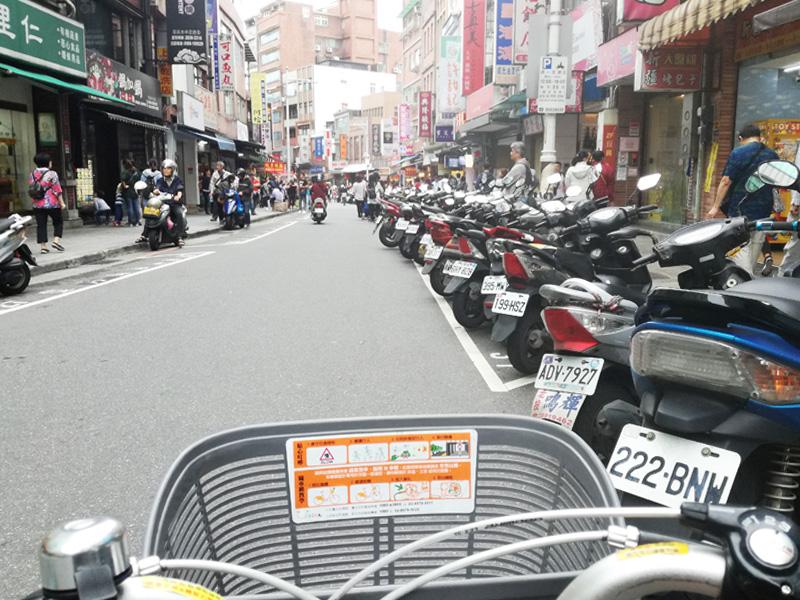 オートバイ圧がすごい