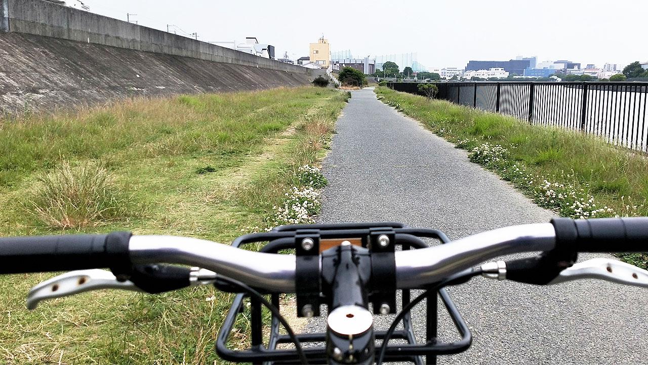 サイクリングでパンク!