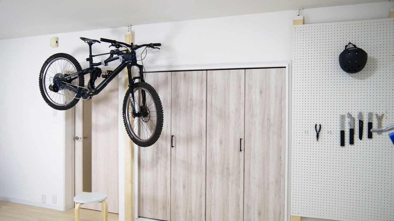 自転車壁掛け