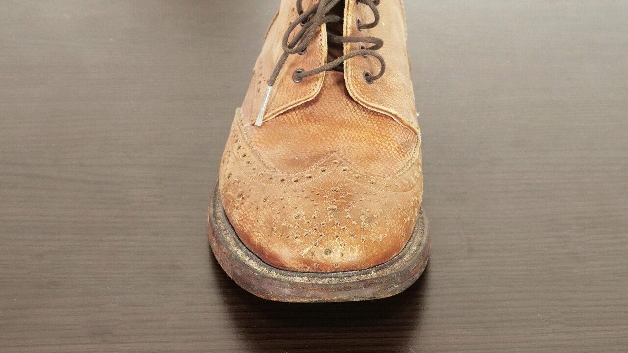 革靴のひび割れ