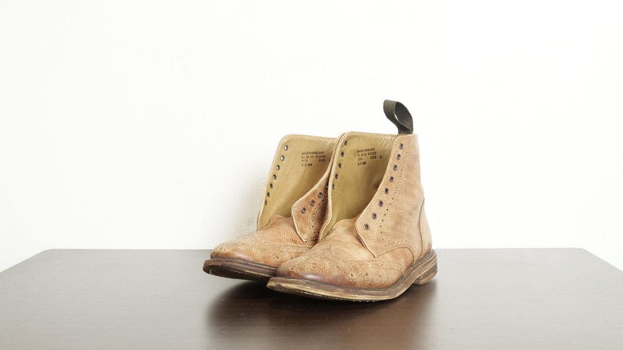 半乾きの革靴